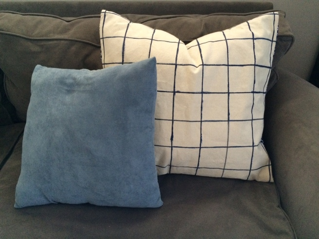 Windowpane pillow DIY